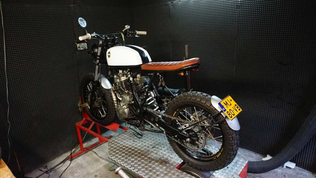 NX650 Dominator Scrambler/tracker Raw Metal Racers